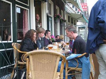 Schaken op de Markt in Delft